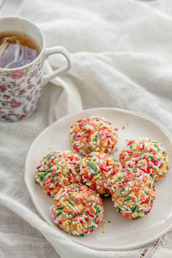 Sprinkled Italian Cookies recipe by @beardandbonnet on www.beardandbonnet.com