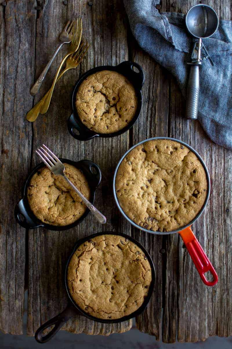 Deep Dish Chocolate Chip Skillet Cookie recipe by @beardandbonnet on www.beardandbonnet.com
