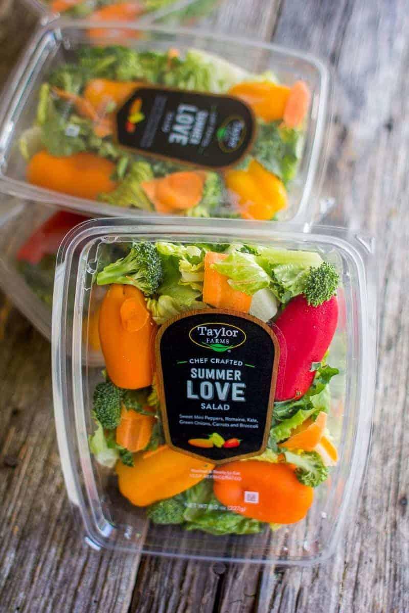 @TaylorFarms Chef Crafted Salad Kits on @beardandbonnet! #YourTaylorFarms #ChefCrafted #ad
