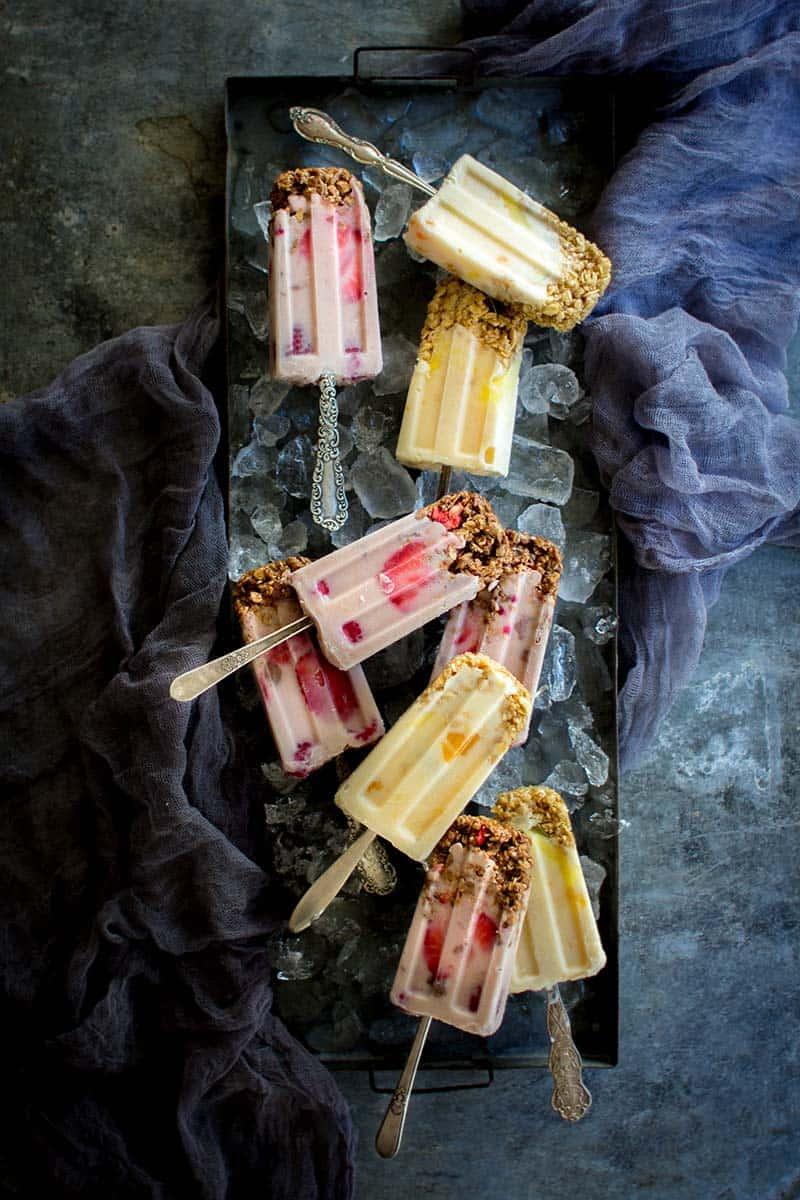 Yogurt and Granola Breakfast Pops recipe on @beardandbonnet