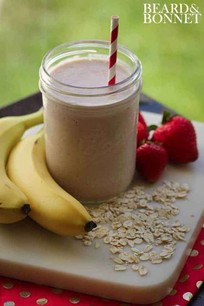 Strawberry, Banana, Oat Smoothie {Beard and Bonnet} #glutenfree #vegan
