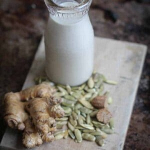 Pumpkin Spice Pepita Milk {Beard and Bonnet} #glutenfree #vegan