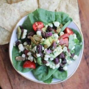 Roasted Hatch Chile and Black Bean Salsa Salad {Beard and Bonnet} #glutenfree #vegan
