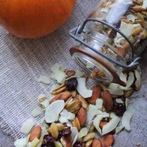 Pumpkin Seed Trail Mix {Beard and Bonnet} #glutenfree #vegan