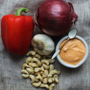 Roasted Red Pepper Cashew Cream {Beard and Bonnet} #glutenfree #vegan