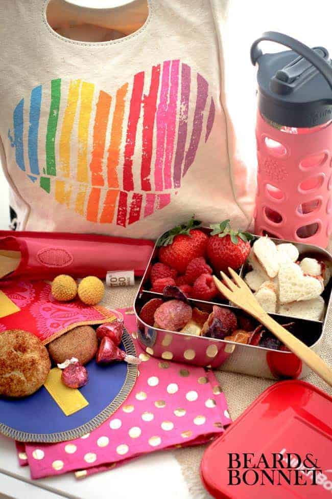 """Show Your Lunchbox Love"" Giveaway From Mighty Nest"