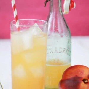 Homemade Ginger Peach Soda {Beard and Bonnet} #glutenfree #vegan