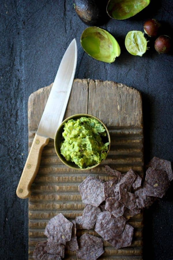 Quintessential Guacamole recipe || @thismessisours #vegan #glutenfree