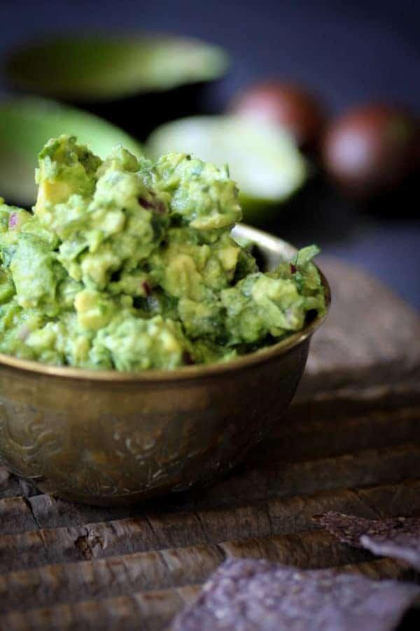 Quintessential Guacamole recipe    @thismessisours #vegan #glutenfree