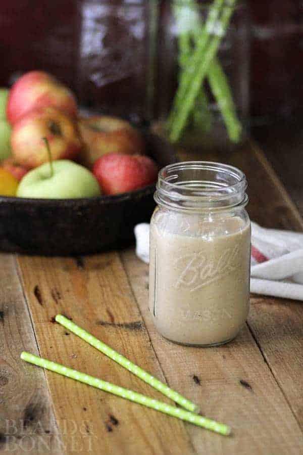 Apple Pie Smoothie {Beard and Bonnet} #glutenfree #vegan
