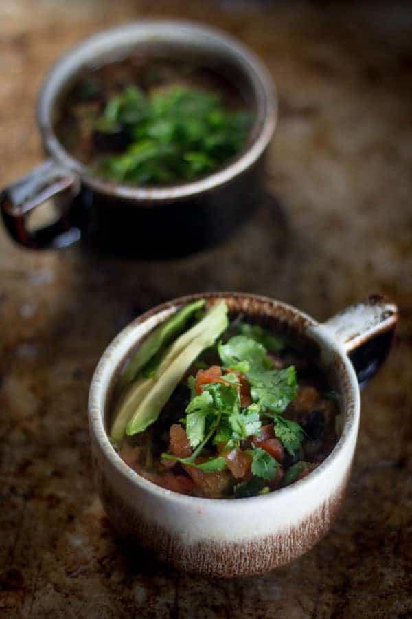 5-ingredient Black Bean and Salsa Soup { #glutenfree #vegan} www.bearandbonnet.com @beardandbonnet