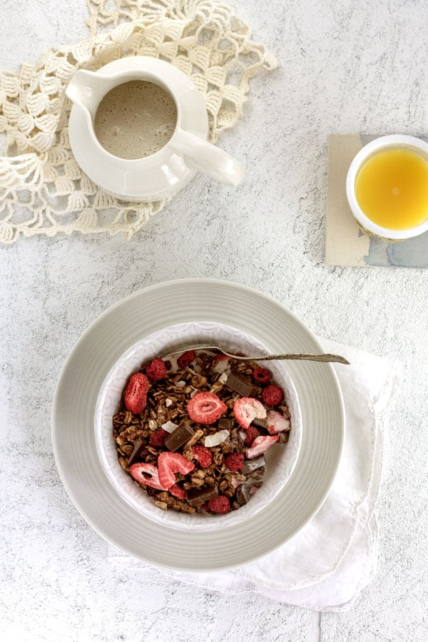 Superfood Chocolate and Berry Granola with @aloha from Beard and Bonnet { www.thismessisours.com @beardandbonnet }