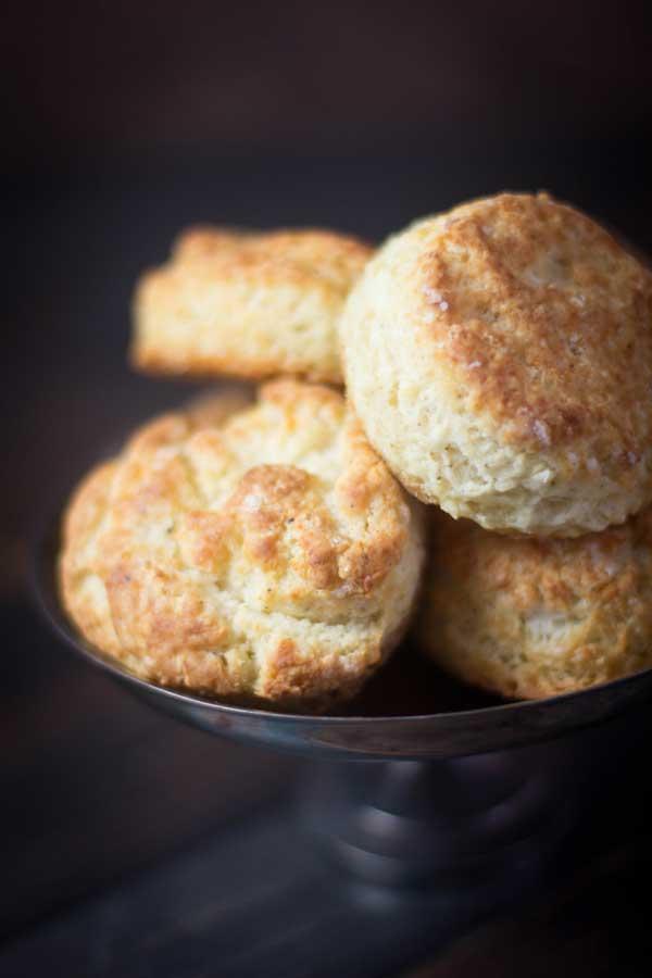 Life Changing Gluten Free Buttermilk Biscuits recipe { @beardandbonnet www.beardandbonnet.com }