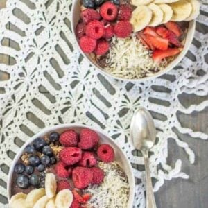 Mother's Day Açai Bowl recipe { @beardandbonnet www.beardandbonnet.com }