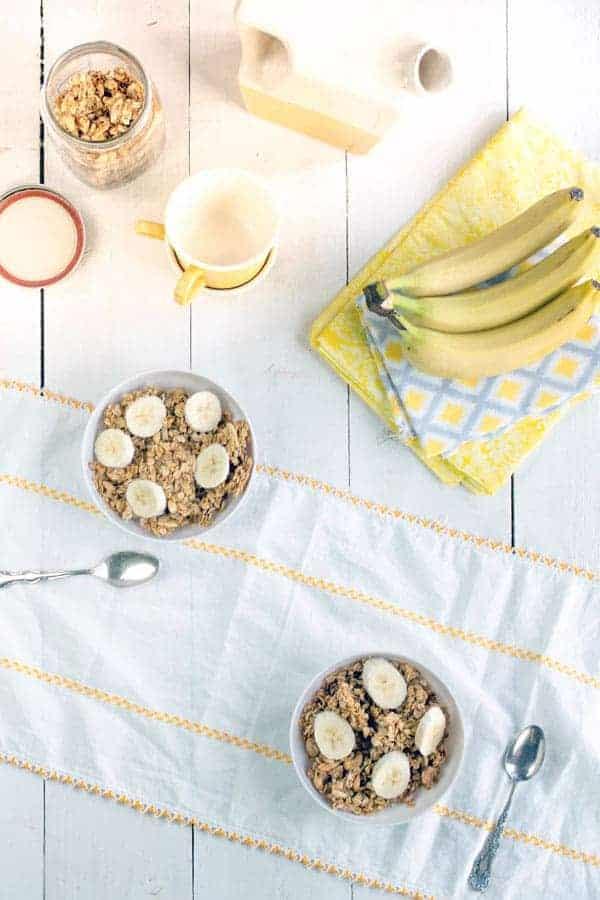 French Vanilla Granola recipe { @beardandbonnet www.beardandbonnet.com }