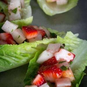 Strawberry Jicama Lettuce Wraps recipe { @beardandbonnet www.beardandbonnet.com }