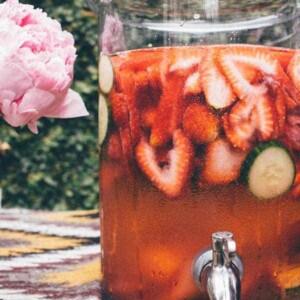 Strawberry Cucumber Spa Water { @beardandbonnet www.thismessisours.com }