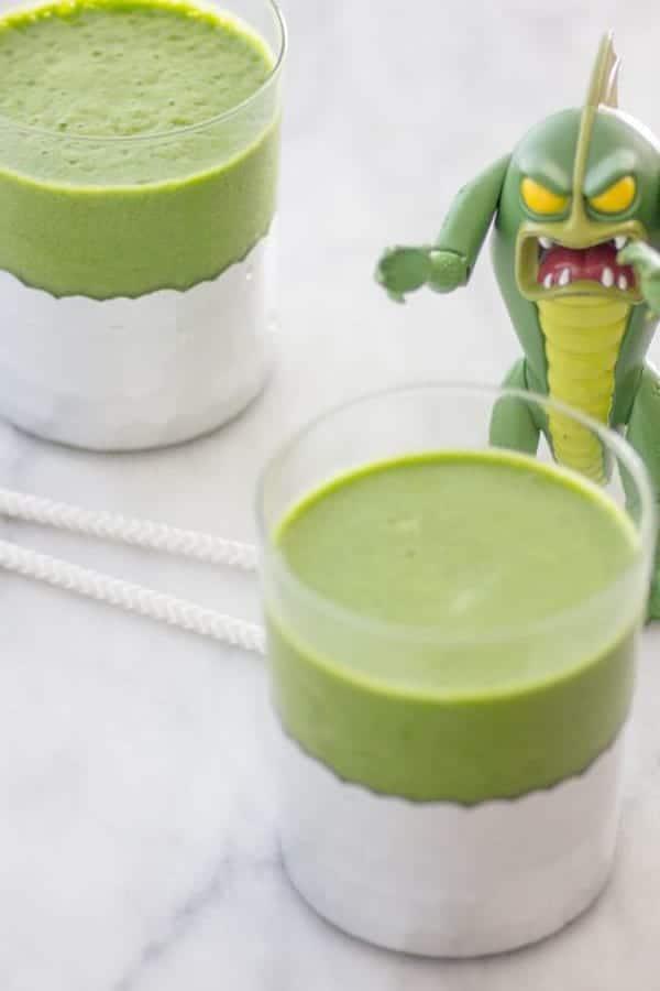 Green Mojito Smoothie recipe from The Blender Girl Smoothies on @beardandbonnet www.beardandbonnet.com
