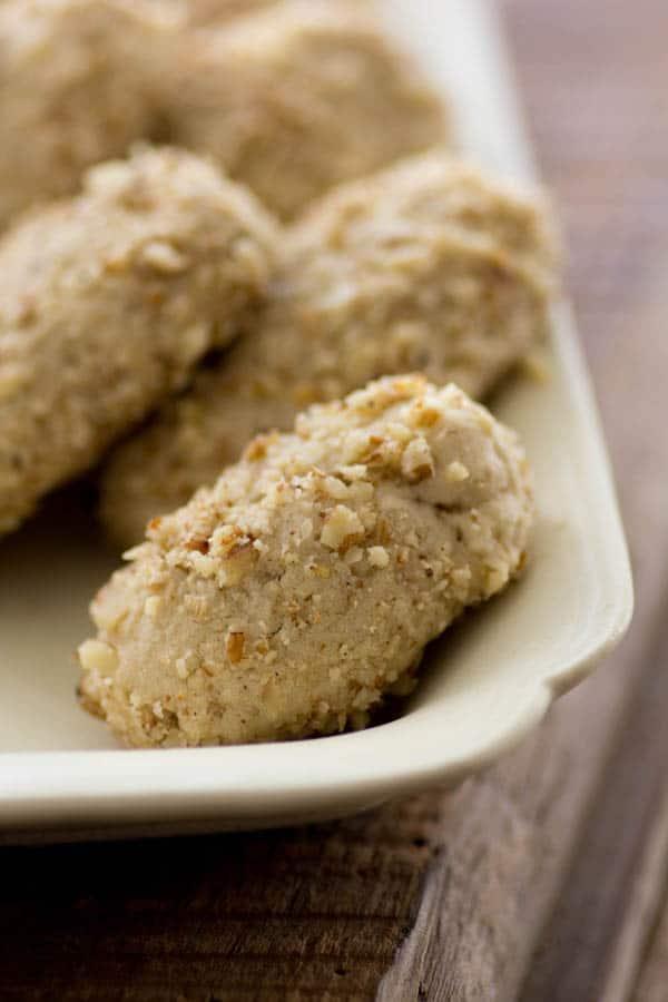 Pecan and Orange Blossom Sandies recipe from @beardandbonnet www.beardandbonnet.com