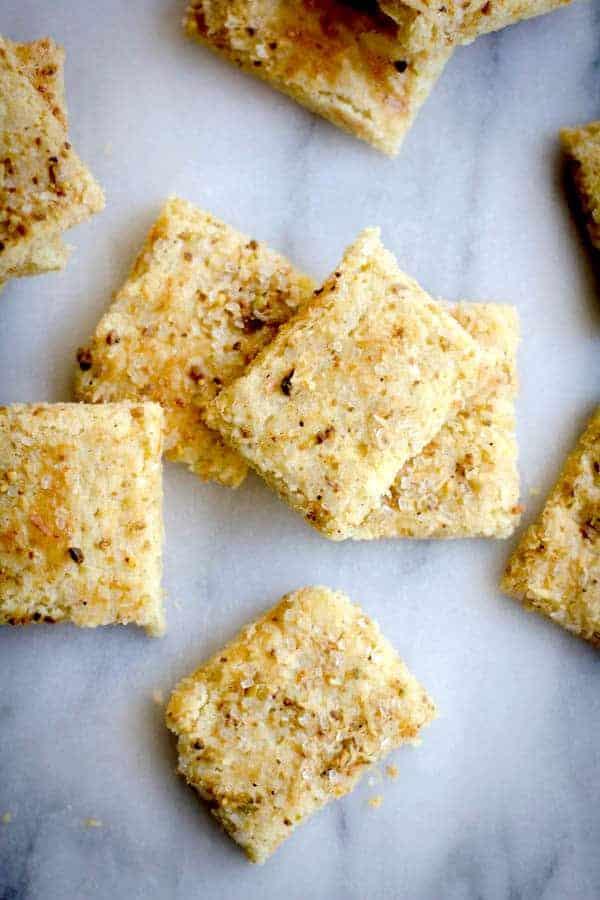 Sweet Citrus and Pistachio Cardamom Crisps recipe by @beardandbonnet on www.beardandbonnet.com