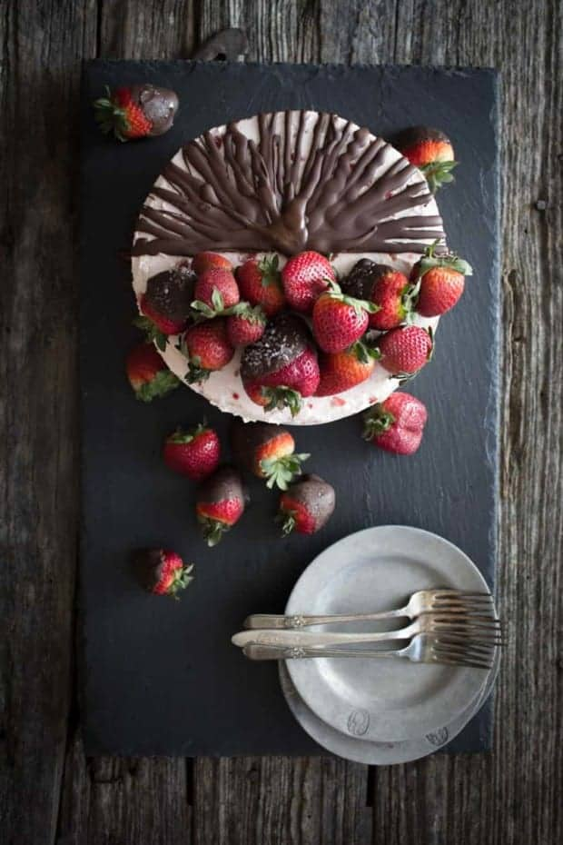 Chocolate Covered Strawberry Cake on @beardandbonnet with @enjoylifefoods on www.thismessisours.com