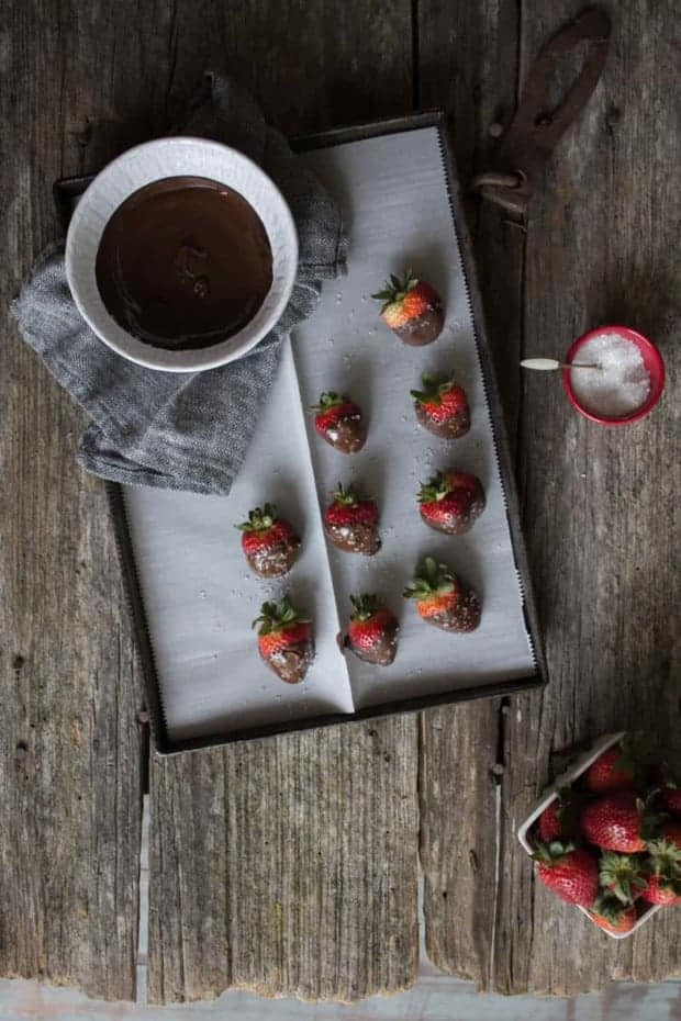 Vegan Salted Chocolate Covered Strawberries recipe by @beardandbonnet on www.thismessisours.com