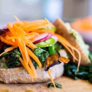 Artichoke and Kale Veggie Sandwich recipe by @beardandbonnet on www.beardandbonnet.com