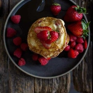 Mixed Berry Ricotta Pancakes by @beardandbonnet on www.beardandbonnet.com