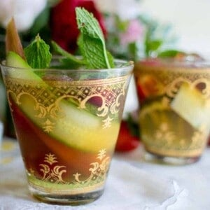 Party Perfect Pimm's Cup recipe by @beardandbonnet on www.beardandbonnet.com #BHGParty