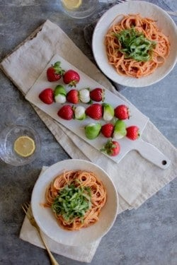 Berry + Basil Tomato Sauce recipe by @beardandbonnet with @driscollsberry on www.thismessisours.com