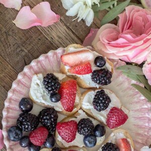 Mixed Berry and Goat Cheese Crostini recipe || @thismessisours