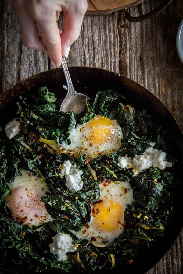 Simple Skillet Eggs with Kale and Leeks recipe || @thismessisours