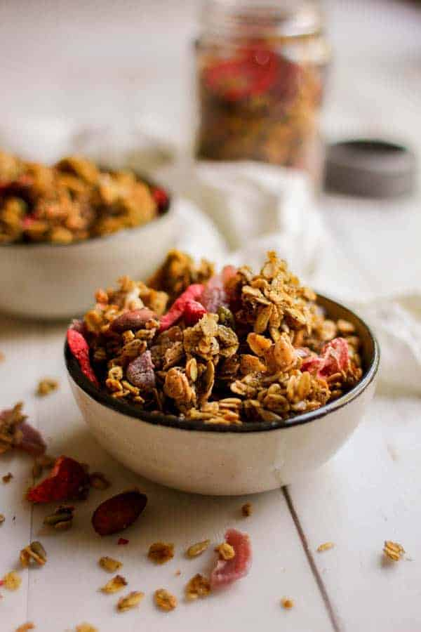 Earl Grey & Strawberry Granola recipe from @heathercrosby of Yum Universe's latest book, Pantry to Plate. || on @thismessisours #glutenfree #vegetarian