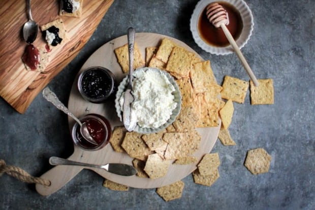 Red, White, & Blue Dunk and Slather Board recipe || Decadent homemade ricotta pairs perfectly with homemade jam flavors like blueberry lavender and strawberry rose. They make for the perfect snack platter when paired with @crunchmaster crackers. || @thismessisours #glutenfree #vegetarian #spon