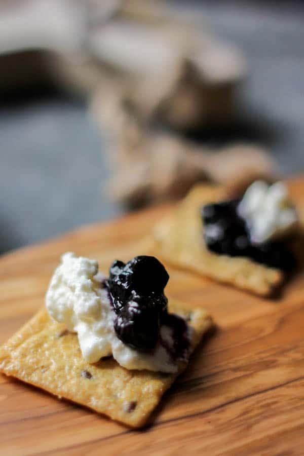 Blueberry lavender jam & homemade ricotta on @crunchmaster crackers recipe    @thismessisours #glutenfree #vegetarian #spon