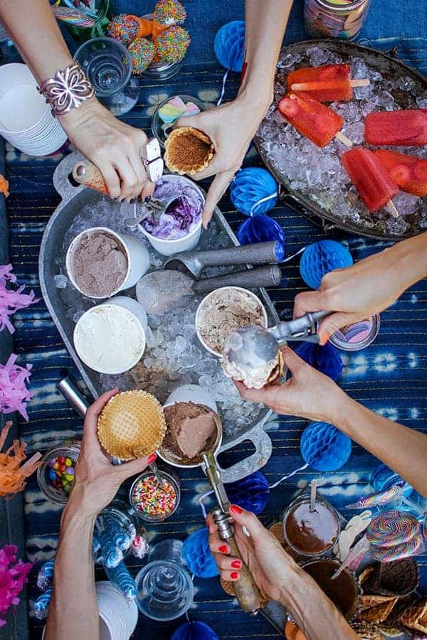 How to Host an Ice Cream Social || @thismessisours #FriendsWhoFete