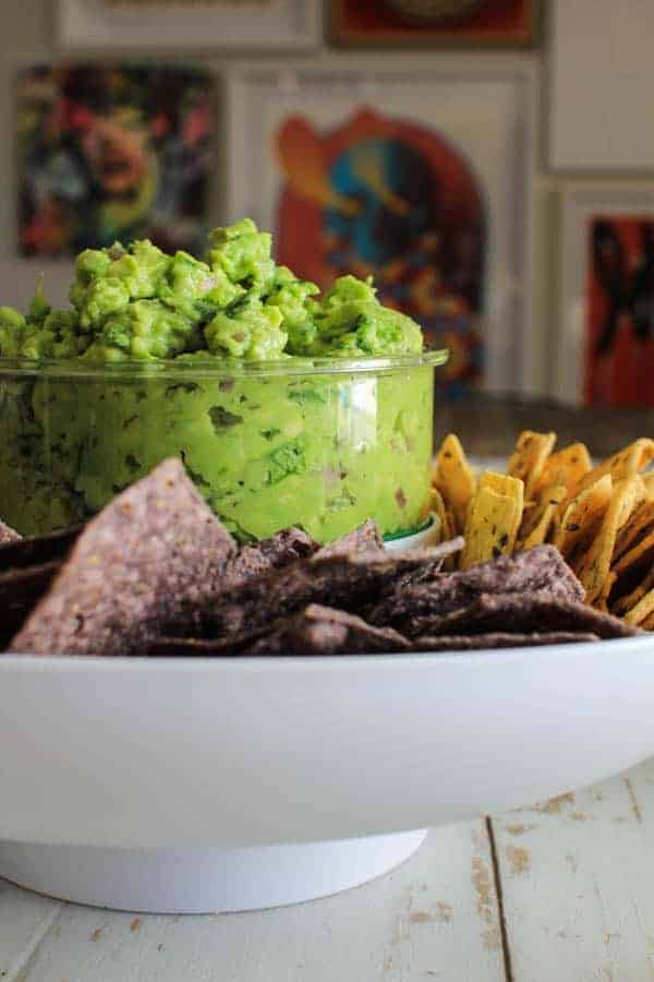 The Ultimate Vegetarian Chili & Herb Laced Guacamole recipes || @thismessisours @casabellaclean #guaclock #casabella #spon