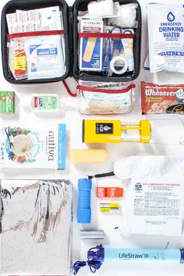 How To Build A Go Bag For Earthquakes and Other Natural Disasters || For National Earthquake Preparedness Month. || @thismessisours #earthquake #gobag
