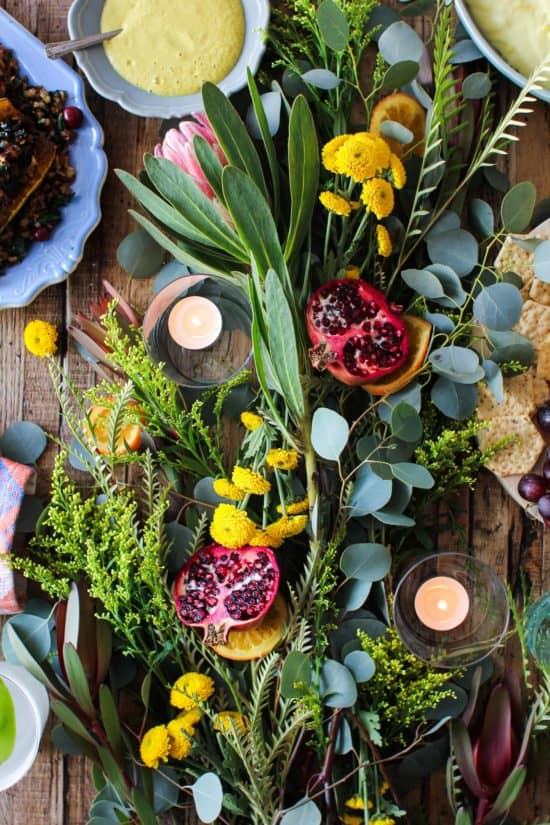 5 Tips for Building A Festive Holiday Table Centerpiece || Easy tips for creating the perfect tablescape for the holidays. || @thismessisours #friendswhofete #diy