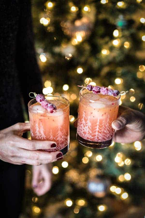 How To Throw A Last-Minute Holiday Party || Your DIY guide for throwing a spectacular holiday party on the fly. Easy cocktails, pantry staples inspired finger food, and simple ideas for elegant decorations you can make yourself. || @thismessisours #friendswhofete