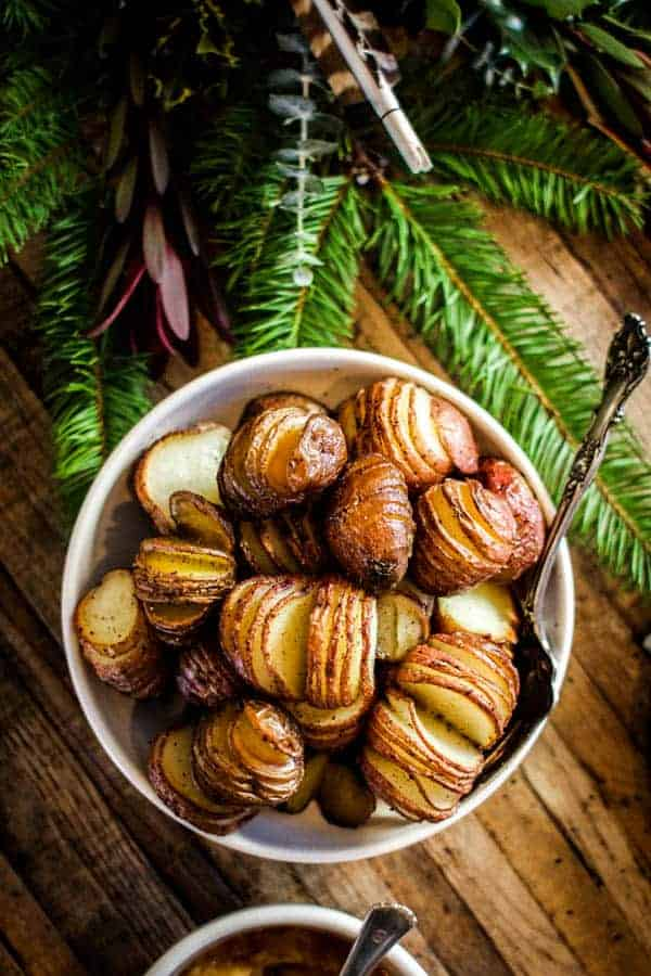 Perfectly Roasted Christmas Potatoes recipe || Forget the mash, opt for the roasted hasselback this holiday season! || @thismessisours #vegan #glutenfree
